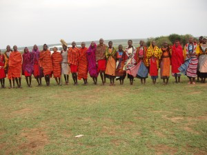 Line_of_colorful_african_people_P1010305-300x225