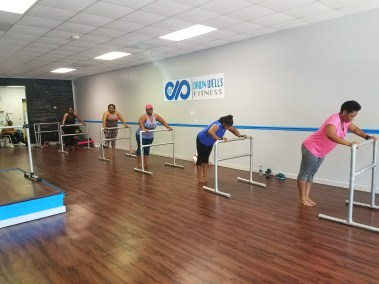 Dawn Wells Fitness_piloxingbarre2