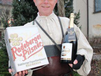 Die Radeberger Magnumflasche wird ein Höhepunkt unter dem Weihnachtsbaum.