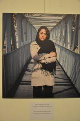 """Fatemehs Vater fiel 1980 im Iran-Irak-Krieg. """"Er wurde getötet, als meine Mutter mit mir schwanger war."""" Repro: Una Giesecke"""