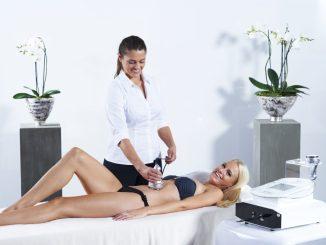 Auch die Ultraschallbehandlung ist Teil der Figurstudie. Foto: PR