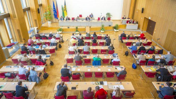 Was der Stadtrat von Dresden genau tut, kann man sich jetzt in einem Video anschauen. Foto: Eric Münch