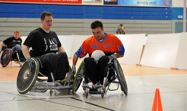 Interessierte können gern beim Dresdner Behindertensporttag am 13. November vorbei schauen. Foto: Matthias Rietschel