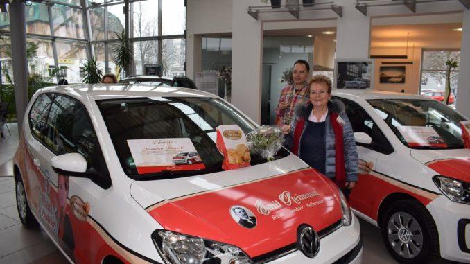Acht sozusagen backfrische VW ups! wurden am Wochenende übergeben. Foto: PR
