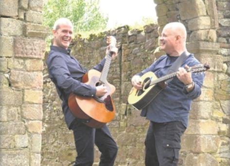 Spielen irische Balladen: Eddie Sheehan & Cormac Doyle. Foto: Bryan Mulhall / PR