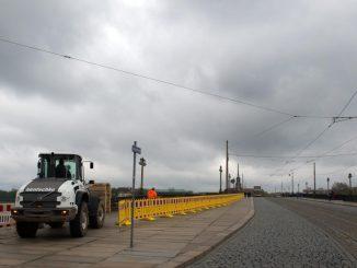 Die Augustusbrücke in Dresden ist für den Individualverkehr gesperrt. Foto: Arno Burgi