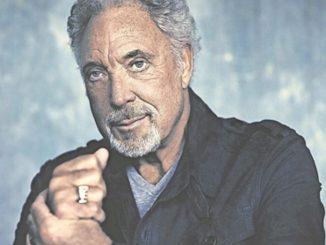 Tom Jones gibt ganz den Gentleman. Foto: Universal Music