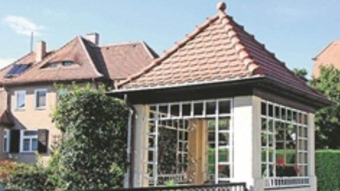 Erhaltener Gartenpavillon, der früher häufig Straßenecken markierte, hier an der Ecke Eigenhufe/Hammeraue Foto: Renate Gerner