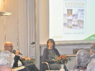 Mit Journalistin Bettina Klemm (li.) und SZ-Lokalchefin Claudia Schade plauderte Thomas Kübler. Foto: Una Giesecke