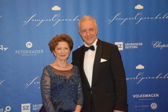 Sachsens ehemaliger Ministerpräsident Stanislaw Tillich mit Ehefrau.