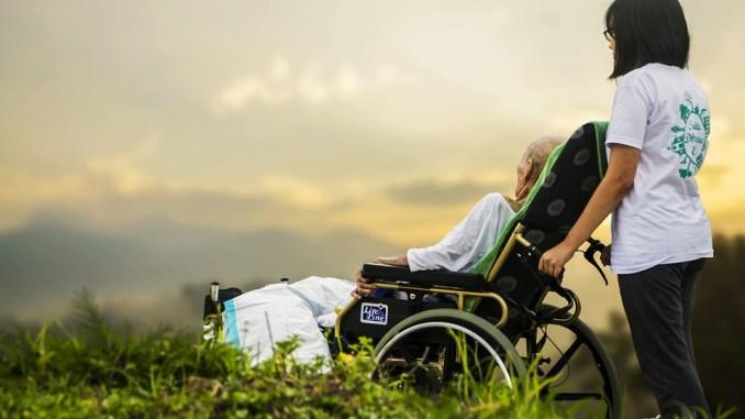 Jedem ist wichtig, dass bei der Pflege seiner Angehörigen alles optimal läuft. Foto: Pixabay