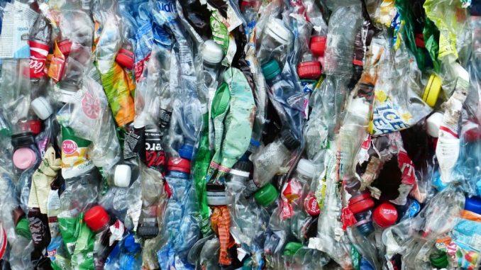 Jeder kann im Alltag etwas dafür tun, damit der Plastikmüll reduziert wird. Foto: Pixabay