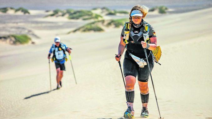 Antje Wensel landete beim Ultralauf durch die Wüste unter den Top Ten. Foto: Delius Klasing Verlag