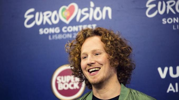 """Beim diesjährigen Eurovision Song Contest holte Michael Schulte mit seiner Power-Ballade """"You let me walk alone"""" den vierten Platz!"""