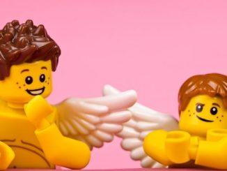 Legofiguren als Fotokunst - zu sehen in der Neustädter Markthalle. Foto: www.legoneom.com