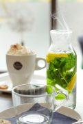 Im Café Milchmädchen in Dresden Gruna werden neben verschiedenen Kaffeespezialitäten auch frisch zubereitete Tees und Limonaden angeboten (Foto: Christian Chalupka)