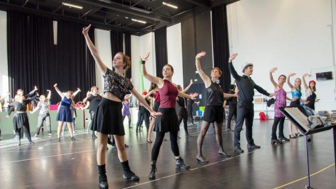 Oh-TÖNE bietet für Klein und Groß im Bereich Gesang und Tanz Ausbildungen.