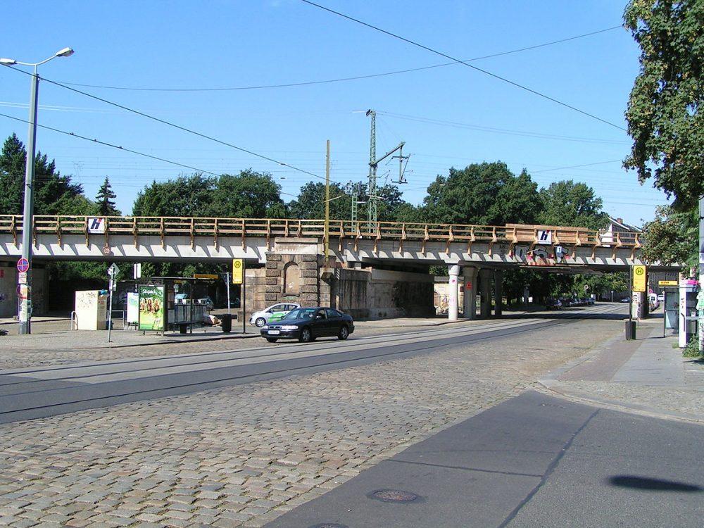 Kopfsteinpflaster am Bischofsweg verschwindet - Baustelle bis Ende November