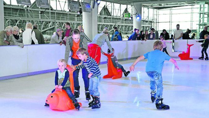"""""""Airport on Ice"""" bietet Kufenspaß für die ganze Familie. (Foto: PR)"""