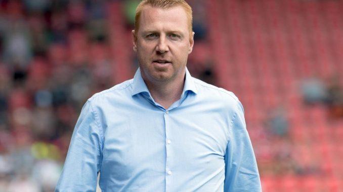 Maik Walpurgis, damals Trainer von Ingolstadt, kommt vor dem Spiel in das Stadion. Foto: Sven Hoppe/Archiv