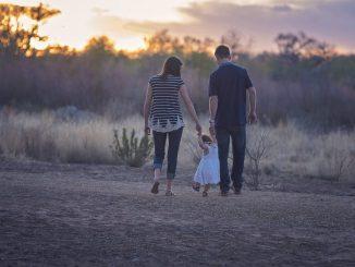 Gewinnspiel: Die neue familienzeit und das Scheckheft sind da