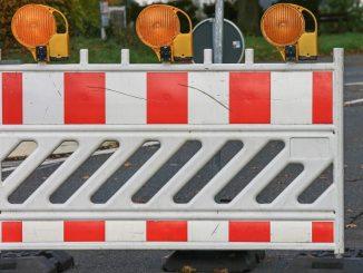 Gesperrte Straßen zum Elbe-Brücken-Lauf am Sonntag