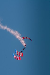 Upside down Parachutist
