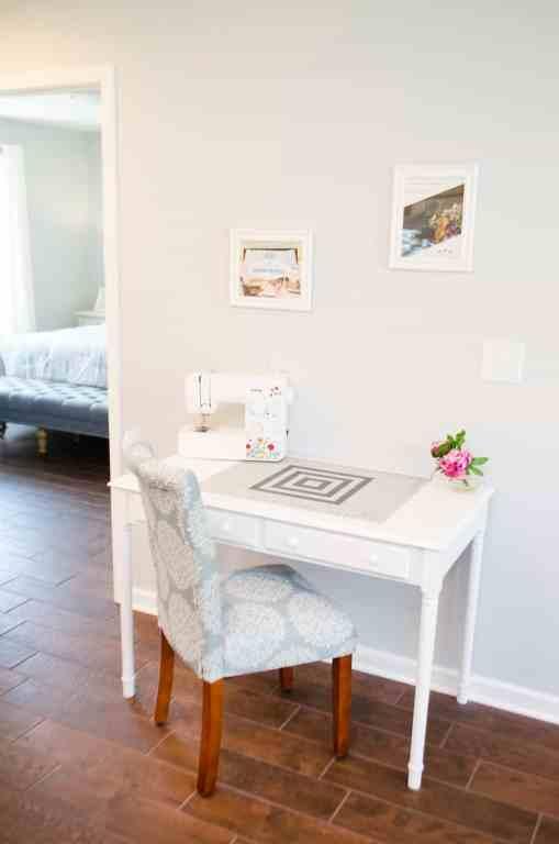 Dawson Retreats near Missouri star quilt co hotel townhome desk