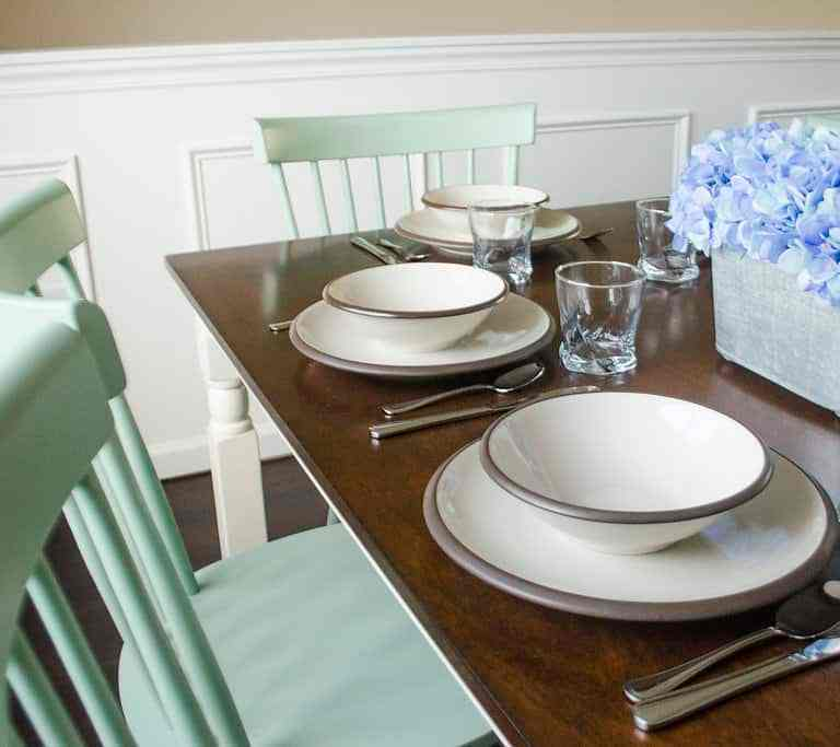 Dawson Retreats near Missouri star quilt co hotel villa dining room