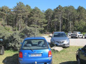 Strandparkeringens legeplads ses i baggrunden