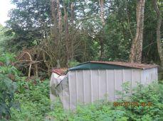 Et forsøg på at rydde grunden har medført skade på taget