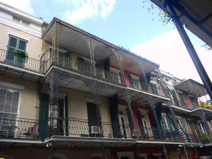 nola-balconies