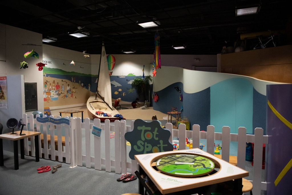 family activities toddler fun hands on  unschooling kids educational learning childrens discovery center oahu hawaii