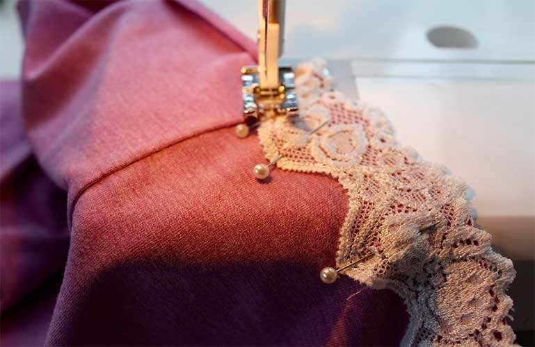 How to sew a scallop lace edging.