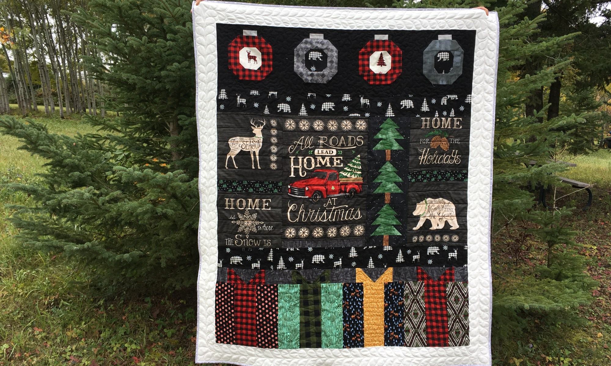 Christmas Throw Quilt at Daydreams of Quilts