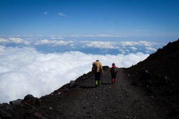 climbing-mount-fuji-mt-fuji-japan-hiking-21