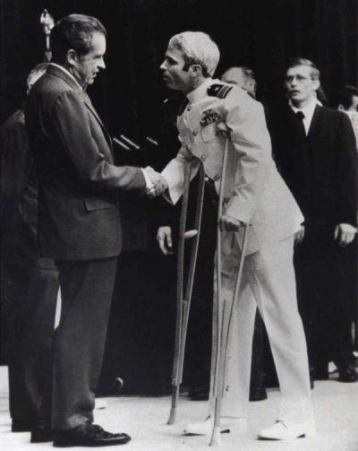 Nixon greets McCain