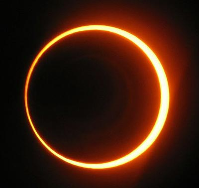 Annular Eclipse, photo by Sancho Panza, October 2005