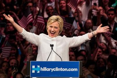 Clinton accepts accolades as prospective Democratic nominee, June 7, 2016