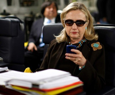 Clinton checking email