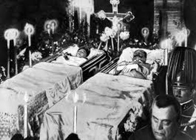 Archduke Franz Ferdinand and Sophie, lying in state