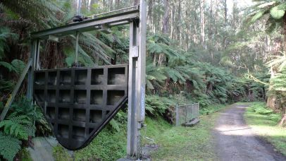 A sluice gate - only saw one like this!