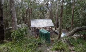 One of a couple of new shelters built by NWS NPWS Rangers near Ruined Cast just off Federal Pass Walking Track