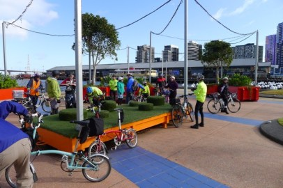 Mixing it up - Melbourne Brompton Club meet Go Cycling group