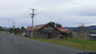 The Apple Shed is right on the road to Huonville, so you won't miss it