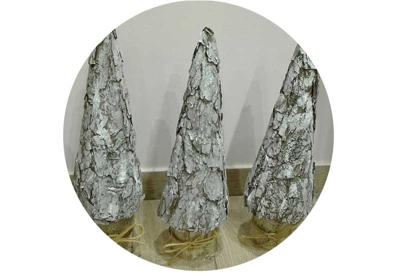A árvore de Natal com suas próprias mãos da namorada, que surpreenderá amigos e vencerá a competição