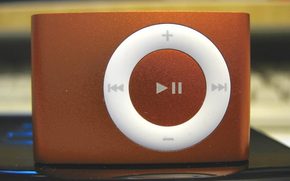 我的橙色iPod Shuffle