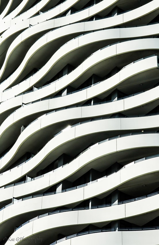 wave-building-broadbeach4