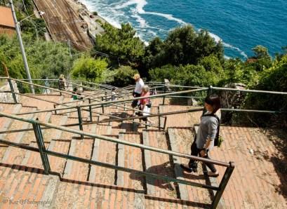 steps from train to Corniglia