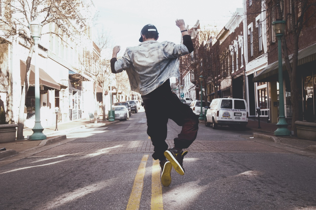 guy dancing on the street